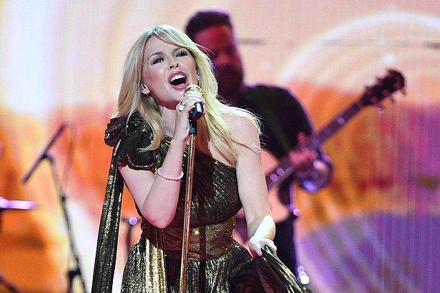 8. Başarılı şarkıcı Kylie Minogue 55 yaşında ve hiç evlenmedi.