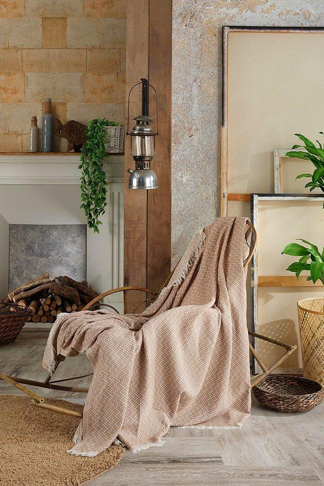 20. Anadolu topraklarından elde edilen seçkin, uzun lifli pamuk iplikleri ile dokunan koltuk örtüsü ekstra yumuşak bir yapıya sahip.