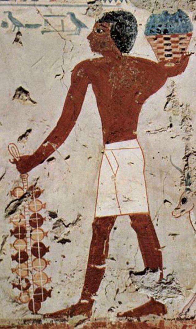 4. Antik Mısır'da insanlar çoğunlukla meyve ve sebze ağırlıklı besleniyordu.