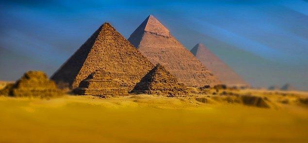 9. Mısırlılar kendi memleketleri dışında ölmekten korkuyorlardı.