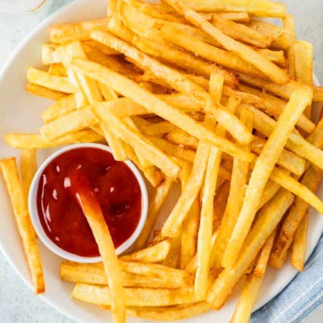 Gelelim hamburgerin kankası patates kızartmasına. Orijinal adı 'french fries' olduğu için kime sorsanız Fransız icadıdır o der. Ama işin aslı öyle değil. Bu konuya Belçikalıların itirazı var zira.