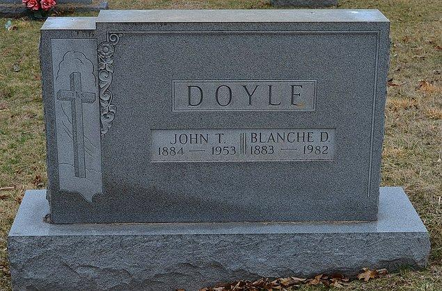 Bilim insanları olayı daha da araştırarak Doyle'un çocukluğundan itibaren uyurgezer olduğunu ve bu nedenden dolayı intihar esnasında yarı uyku halinde olabileceği düşünüldü.