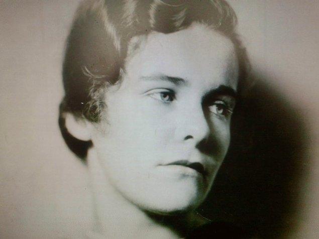 7. Dorothy Milette