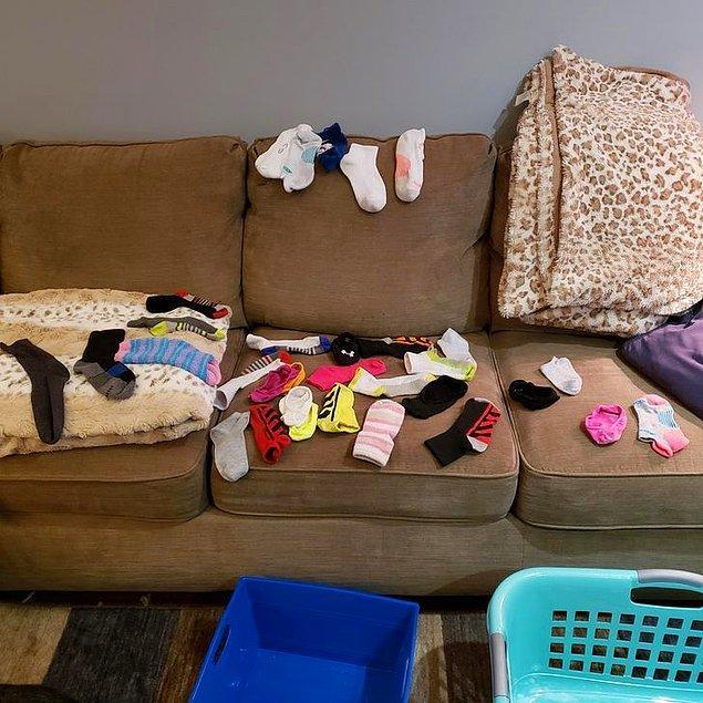 """9. """"İki aydan fazla bir süre içinde yıkadığım çamaşırlardan 32 tane eşi olmayan çorap çıktı."""""""