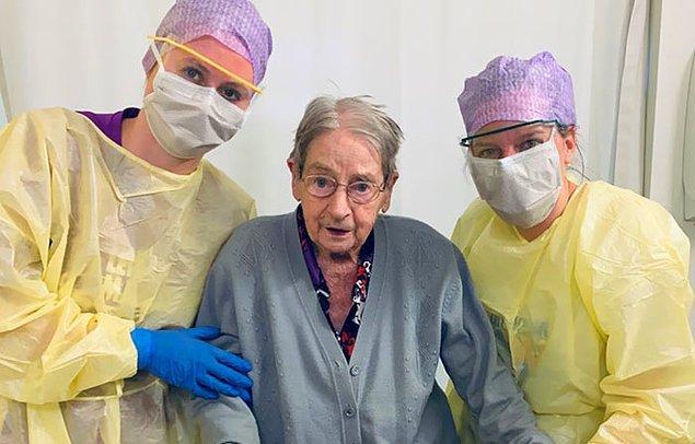 """15. """"101 yaşındaki hastamız bugün taburcu oldu."""""""