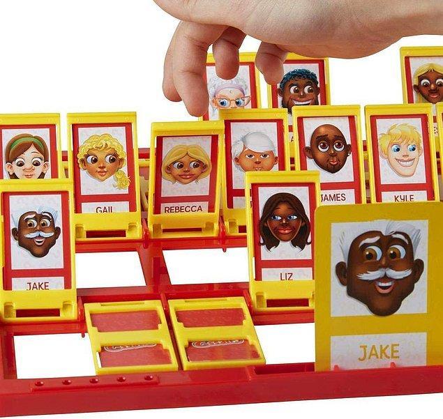 9. Çocuğunuzla oynarken size de eğlenme garantisi veren bir tahmin etme oyunu: Bil Bakalım