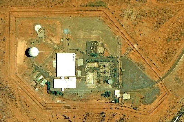 Avustralya'nın en büyük bölgesi olarak da anılan Woomera Yasak Alanı, 2. Dünya Savaşı esnasında teknolojik silahların gelişmesi ile meydana geldi.