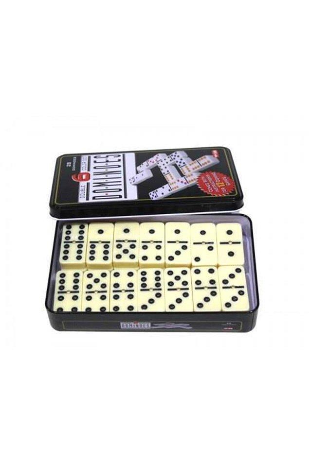 14. Domino taşlarını dizmek ve onları devrilirken seyretmek gerçekten keyif veren aktivitelerden.
