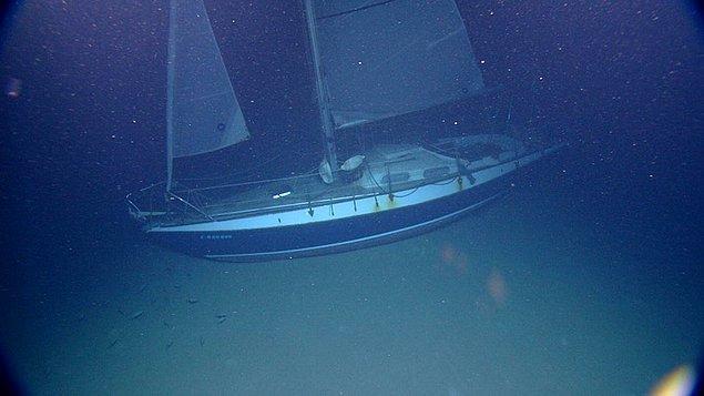 """10. """"Suyun altında bile hareket edebilecekmiş gibi gözüken bu gemi"""""""
