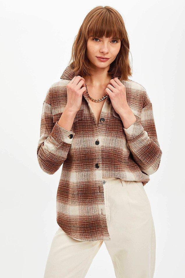 14. Ekose seviyorsan burası senlik. Retro oversize gömlek ceketin fiyatı 89 TL. Başka renkleri de var.