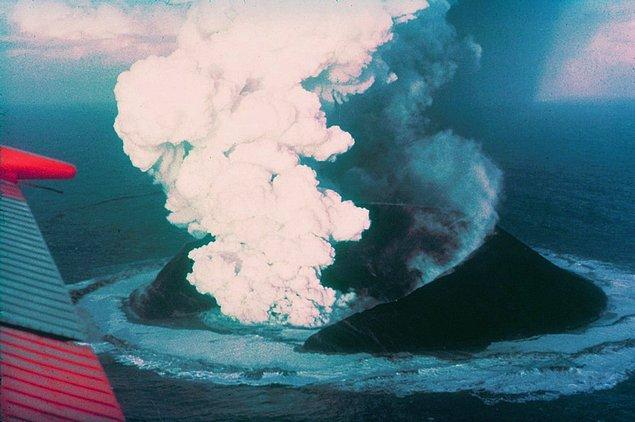 4. Surtsey Adası - İzlanda