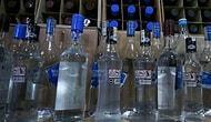 Sahte İçkiden Ölenlerin Sayısı Gittikçe Artıyor: 'Alkollü İçeceklerdeki ÖTV Düşürülmeli'