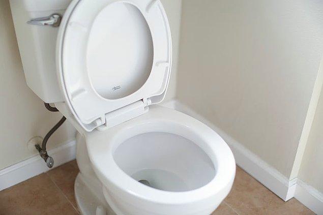 10. Dünya üzerinde cep telefonuna sahip olan insan sayısı tuvalete sahip insan sayısından daha fazladır.