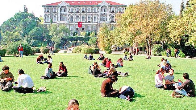 Üniversiteler 2021-2022 öğretim yılı akademik takvimi 13 Eylül'de başlayacaktır.