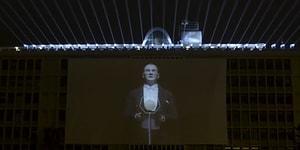Ekrem İmamoğlu, İstanbul'daki 29 Ekim Kutlamalarında Farklı Noktalara Yerleştirilen Mustafa Kemal Atatürk'ün Hologramlı Konuşmasını Paylaştı