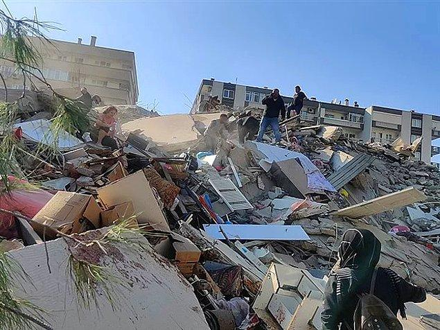 Bugün Ege Denizi'nde merkez üssü İzmir'İn Seferihisar ilçesi açıkları olan 6,6 büyüklüğünde deprem meydana geldi.