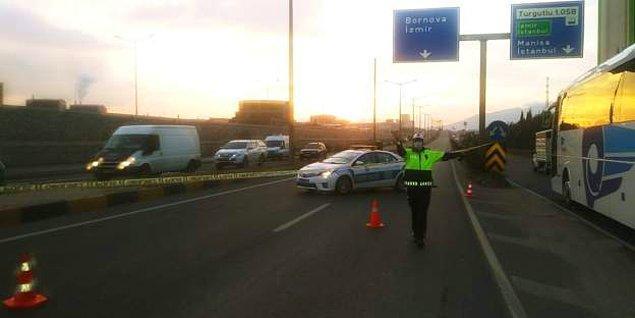 20:00 Turgutlu-İzmir karayolu İzmir yönüne tek taraflı olarak trafiğe kapatıldı