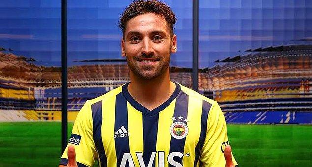 Fenerbahçe'de Sinan Gümüş, 90+6. ikinci sarı karttan kırmızı kart gördü.