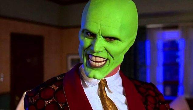 13. 'Maske' filminde Jim Carrey, kocaman dişlerinin olduğu sahnelerde sessiz olacaktı ancak başarılı aktör bu takma dişlerle konuşmayı öğrenmiş.