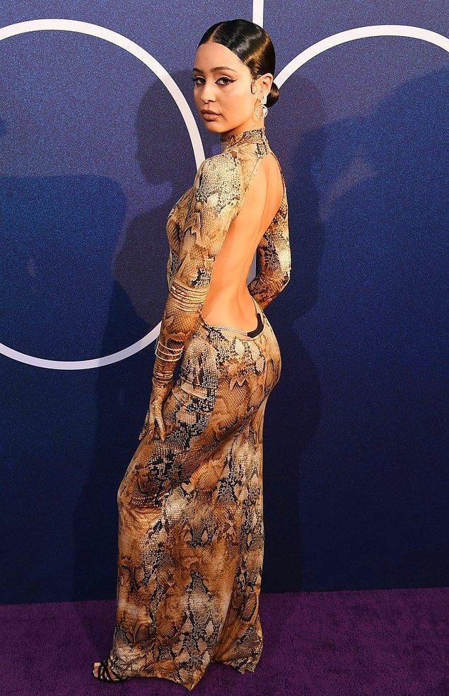 7. Euphoria oyuncularından Alexa Demie, dizinin galasına bu görünümle katılmıştı.