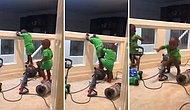 Yaramazlık Peşindeyken Elektrikli Süpürgenin Çalışması ile Kaçacak Delik Arayan Çocukların Efsane Anları