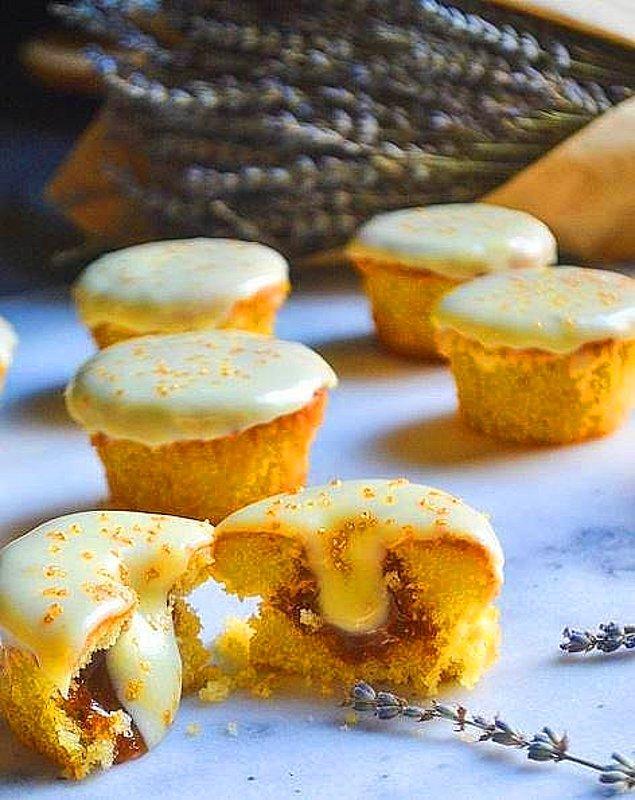 1. Limonlu-Beyaz Çikolatalı Cupcake Tarifi: