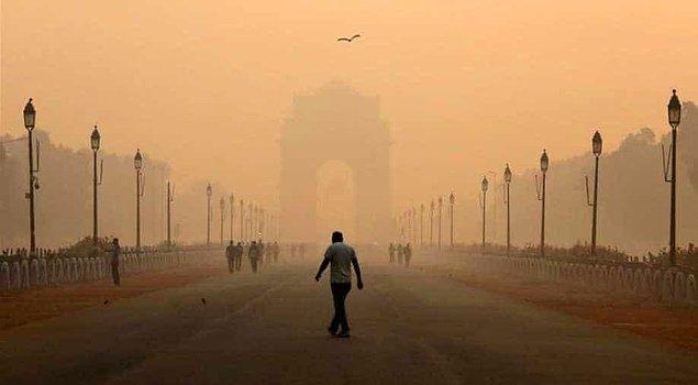 16. Bazen 800 metre ilerdeki binayı, heykeli bile göremezsiniz. Nedeni ise hava kirliliği!