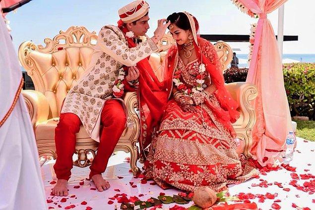20. Aileler çocukları evlenmeden önce dedektif tutarlar ve evleneceği kişiyi araştırırlar.