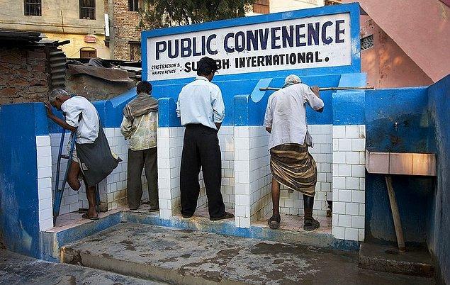 22. Umumi halka açık tuvaletleri görünce şoka girmeyin.