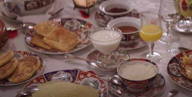 17. Breakfast, Lunch & Dinner