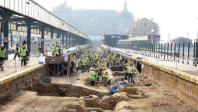 Arkeologlar: 'Mermerlerin altında mezar odası tespit ettik'