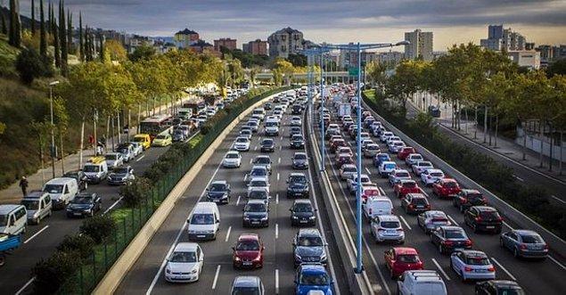 Sokağa çıkma kısıtlaması muafiyetleri şehirlerarası seyahat izni anlamına gelmekte midir?