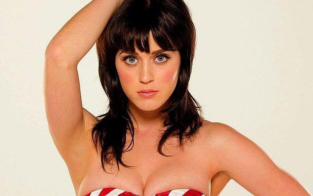 38. Katy Perry büyürken ailesi, Lucky Charms isimli mısır gevreğini şeytanla bağlantılı olduğu için yemesine izin vermiyordu.