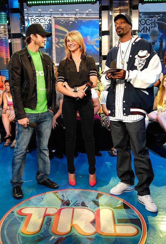 48. Cameron Diaz ve Snoop Dogg liseye birlikte gitmiştir. Diaz, Snoop Dogg'un kendisine esrar sattığını bile iddia etmiştir.