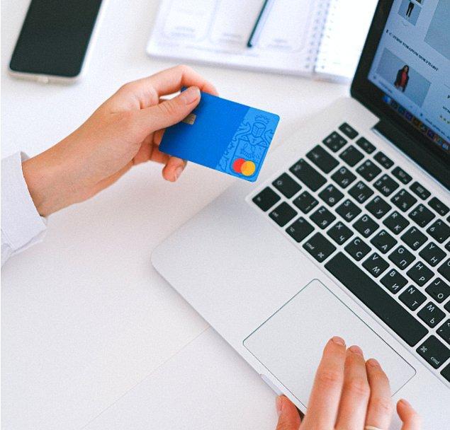 8. Kredi kartlarını çok fazla kullanmamalısınız.