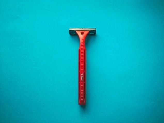 18. Penisinizin etrafını tıraş etmek için eski jiletler kullanmamalısınız.