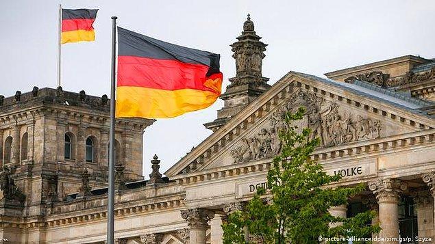 Şimdi siz söyleyin asgari ücretin 1584 Euro olduğu Almanya'da vatandaşların ucuz ve kaliteli ürüne ulaşması bu kadar kolayken Almanya bizi gerçekten kıskanıyor mu?