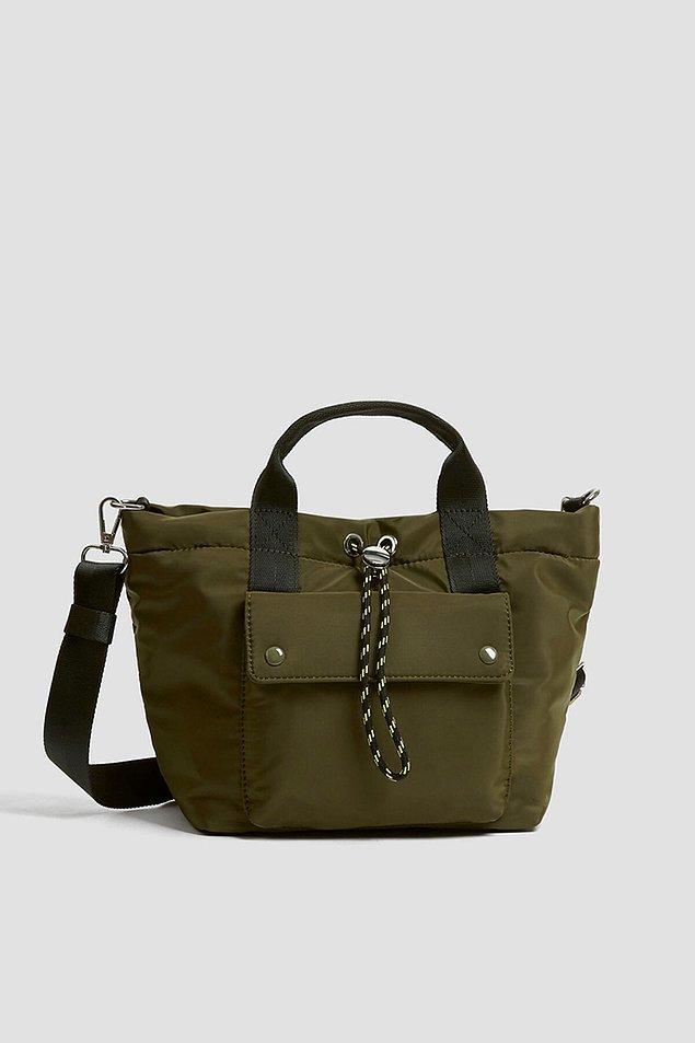 8. Bu tote çanta sportif giyinmeyi seven kadınların tercihi olacak.