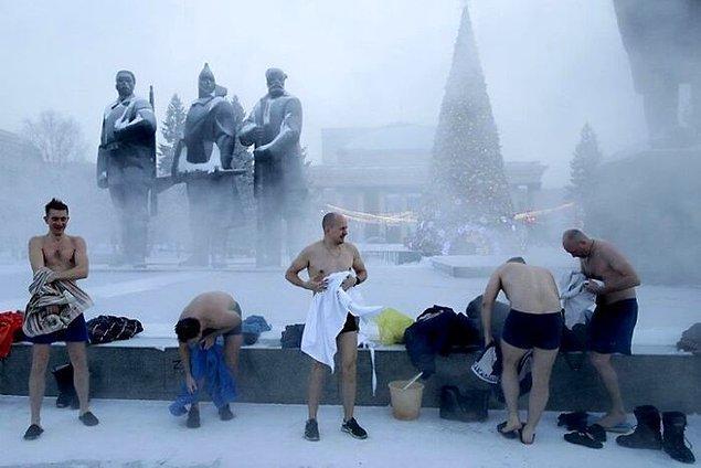 """12. """"Rusya'nın her yeri yıl boyunca soğuktur."""""""