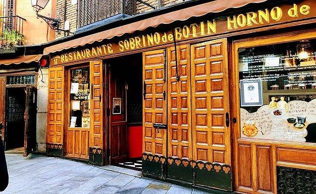 4. İspanya'da 1700'lü yıllardan beri hizmet veren bir restoran bulunur.