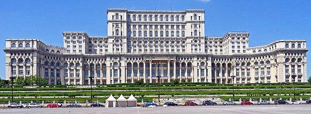 18. Romanya Parlementosu dünyadaki en büyük idari binalardan biridir.