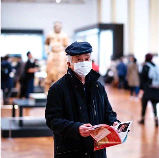 12. Dünyanın en büyük koruyucu ekipman üreticisi olan Çin'in klinik önlük ve cerrahi maske üretimini hızlandırması nispeten diğer ülkelere göre daha kolay oldu.