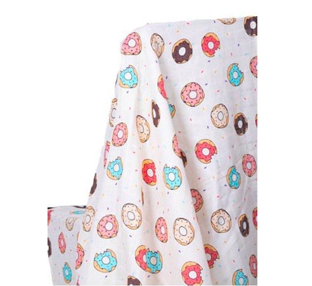15. Hafif, pratik ve fonksiyonel bir ürün: Müslin bezi bebek örtüsü.