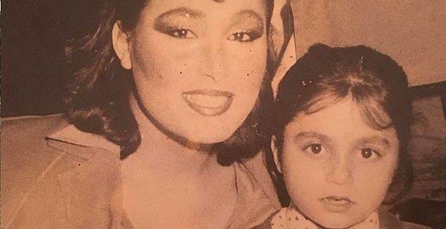Lerzan Mutlu, avukat bir babamın ve ev hanımı bir annenin kızı olarak 1977 yılında İstanbul'da doğdu!