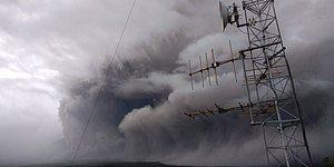 Endonezya'daki Semeru Yanardağı Faaliyete Geçti: Kül ve Duman 4,5 Kilometre Yüksekliğe Ulaştı