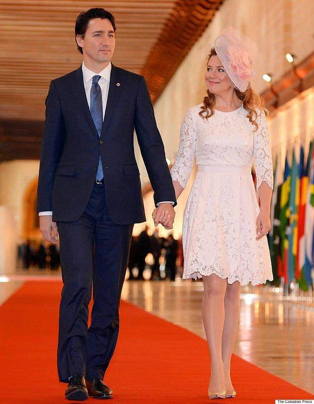 16. Hanımlar itiraf edelim hepimizin gönlünde bir Trudeau yatıyor.