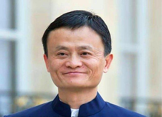 Jack Ma, çok büyük bir alışveriş sitesi olan Alibaba'nın kurucusu ve dünyanın en zengin insanlarından biridir.