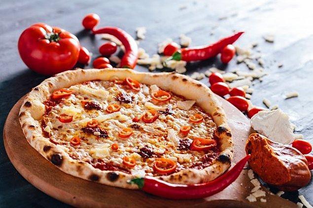 9. Acılı Biberli Pizza