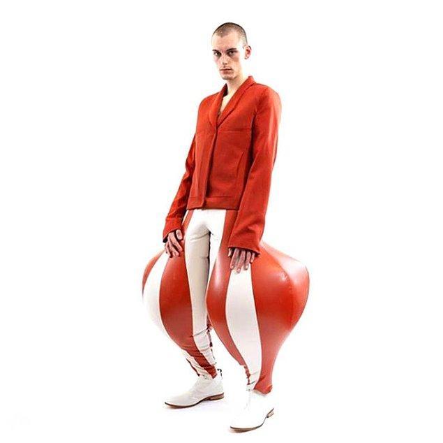 1. Şişirilebilir pantolonlar moda dünyasında olay oldu.