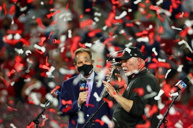 Super Bowl'u Kazanan En Yaşlı Antrenör